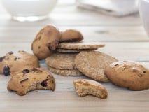 Sluit omhoog van koekjes om te ontbijten royalty-vrije stock afbeeldingen