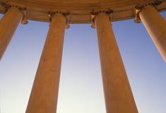 Sluit omhoog van kolommen van de Bouw van het Hooggerechtshof van de V.S. stock afbeelding