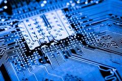 Sluit omhoog van Kringen Elektronisch op Mainboard-van de Achtergrond technologiecomputer logicaraad, cpu-motherboard, Hoofdraad, royalty-vrije stock foto