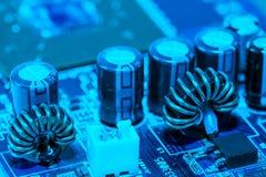 Sluit omhoog van Kringen Elektronisch op Mainboard-van de Achtergrond technologiecomputer logicaraad, cpu-motherboard, Hoofdraad, stock fotografie