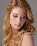 Sluit omhoog van mooie jonge vrouw Stock Afbeeldingen