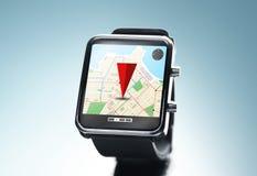Sluit omhoog van slim horloge met gps navigatie app Royalty-vrije Stock Foto