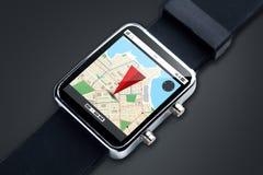 Sluit omhoog van slim horloge met gps navigatorkaart Royalty-vrije Stock Fotografie
