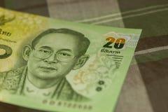 Sluit omhoog van Thais bankbiljet Thais bad met het beeld van Thaise Koning Thais bankbiljet van Thais Baht 20 op Groene Schotse  Royalty-vrije Stock Afbeeldingen