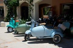 Sluit omhoog van uitstekende motorfiets Vespa stock foto's
