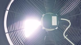 Sluit omhoog van ventilator van de fabrieks de industriële ventilatie 4K stock videobeelden