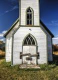 Sluit omhoog van verlaten kerk Stock Afbeeldingen