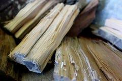 Sluit omhoog van vers besnoeiingsbrandhout Stock Foto's
