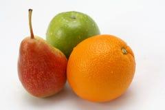 Sluit omhoog van verse vruchten op witte achtergrond Royalty-vrije Stock Foto