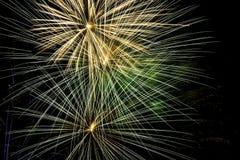 Sluit omhoog van vuurwerk stock fotografie