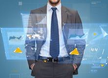 Sluit omhoog van zakenman over blauwe achtergrond Royalty-vrije Stock Foto's