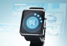Sluit omhoog van zwart slim horloge Royalty-vrije Stock Foto's