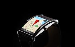 Sluit omhoog van zwart slim horloge met gps navigator Royalty-vrije Stock Afbeeldingen