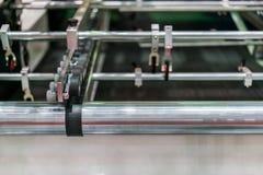 Sluit omhoog wiel en rol voor paperfeedereenheid van modern en geavanceerd technisch van automatische publicatie of drukmachine stock foto