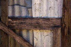 Sluit omhoog zink en hout Royalty-vrije Stock Afbeelding
