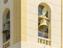 Sluit op de torenklokken van Catedral Metropolitana Sagrado Corac stock foto's