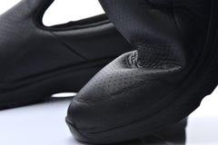 Sluit schoenen van het textuur omhoog de gezonde leer op wh Royalty-vrije Stock Afbeeldingen