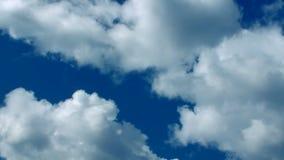 Sluit snel Wolken omhoog Blauwe jaren '30 stock videobeelden