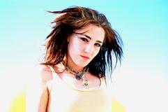 Sluit van tiener met blauwe hemel Stock Afbeelding