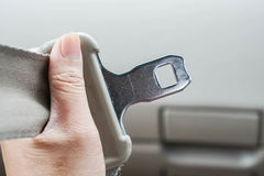 Sluit vastmaken omhoog de autoveiligheidsgordel royalty-vrije stock afbeelding