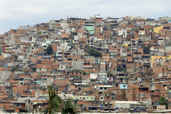 Slumkvarter grannskap av Sao Paulo, Brasilien Royaltyfria Bilder