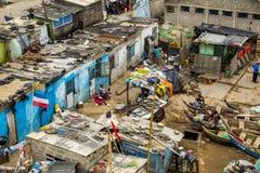 Slumkvarter i uddekust Arkivbilder