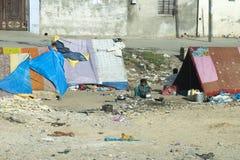 Slumkvarterläger, fattigt och armod i Indien royaltyfri bild