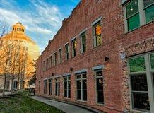 Slumpmässig byggnad i Asheville, North Carolina, USA Arkivfoton