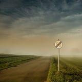 Slut av tecknet för hastighetsbegränsning 50 Arkivbilder