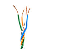 Slut för elektrisk kabel som isoleras på vit Arkivbilder