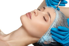 Slut för kirurgi för skönhetkvinnaframsida upp ståenden Royaltyfria Bilder