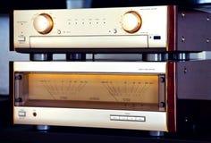 Slut för stereo- system för tappning för två förstärkare ljudsignalt lyxigt högt Royaltyfri Fotografi