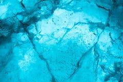 Slut f?r makro f?r istexturbakgrund upp i solljus H?rliga abstrakta modeller av djupfryst vatten royaltyfri foto