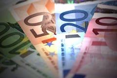 Slut som är op av europeiska sedlar Royaltyfri Bild