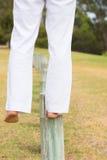 Slut upp att balansera för fot som är utomhus- Royaltyfria Bilder