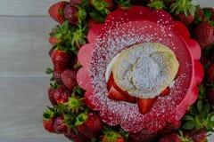Slut upp av överkanten av jordgubbeShortcake royaltyfri foto
