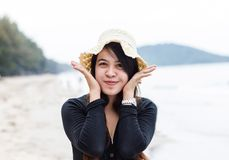 Slut upp av den älskvärda mogna thai kvinnan Arkivbild