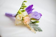 Slut upp av den blom- tillbehören för handgjort bröllop Arkivfoton