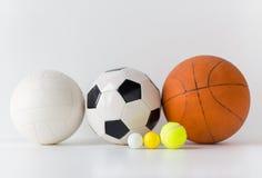 Slut upp av den olika sportbolluppsättningen Fotografering för Bildbyråer