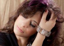 Slut upp av den unga kvinnan i utsmyckad Makeup royaltyfri bild