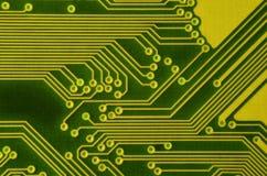 Slut upp av det kulöra mikroströmkretsbrädet abstrakt bakgrundsteknologi Datormekanism i detalj royaltyfri bild