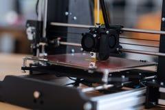 Slut upp av en modern skrivare 3D Royaltyfri Fotografi