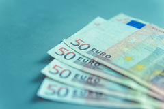 Slut upp av 50 eurosedlar Royaltyfri Bild