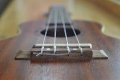 Slut upp av gitarrrader royaltyfri fotografi