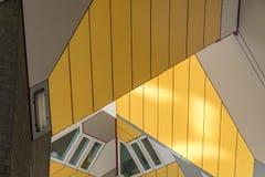 Slut upp av kubhus i Rotterdam Arkivfoton