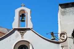 slut upp av kyrkliga klockor i Italien Arkivfoton
