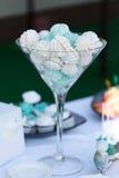 Slut upp av någon dekadent gourmet- muffin royaltyfria bilder