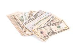Slut upp av olika dollarräkningar Arkivfoton