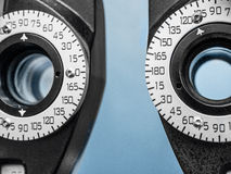 Slut upp av optisk utrustning i ögondoktors kontor Royaltyfria Bilder