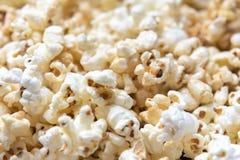 Slut upp av popcorn arkivfoton